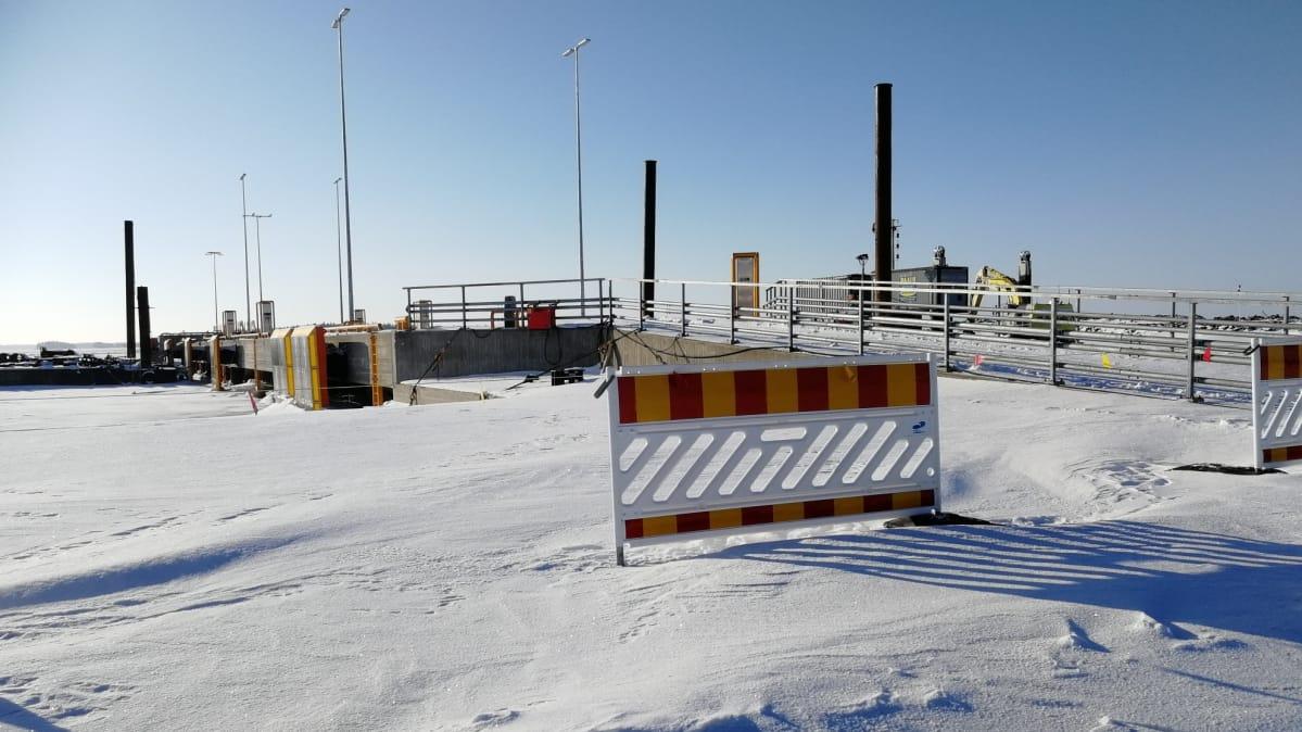 Haminan satamassa jokilaivoille rakennetaan omaa lastauspaikkaa