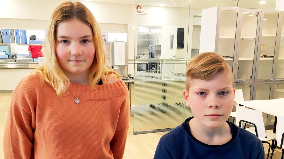 Kuudesluokkalaiset Jennica Holopainen ja Toomas Vannas Kontioniemen koulusta.