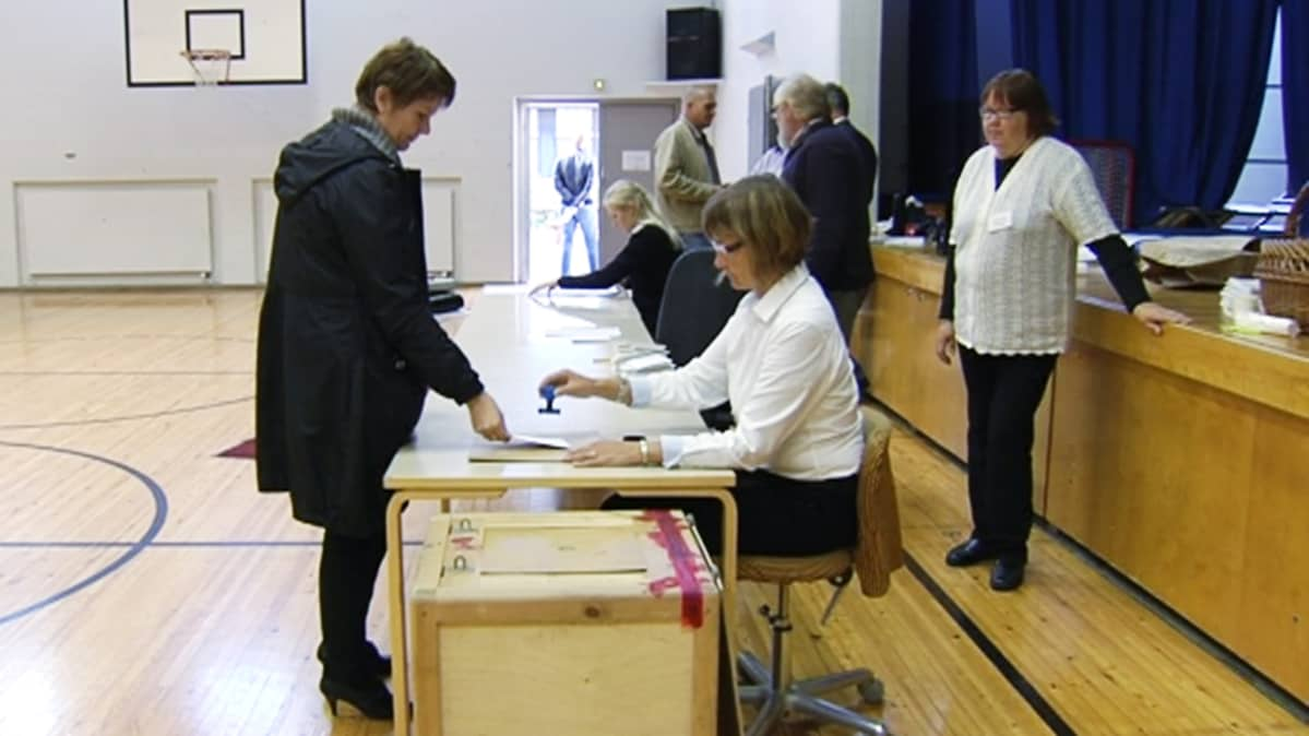 Siuntiolaiset äänestävän Lohjan ja Nummi-Pusulan kuntaliitoksesta.
