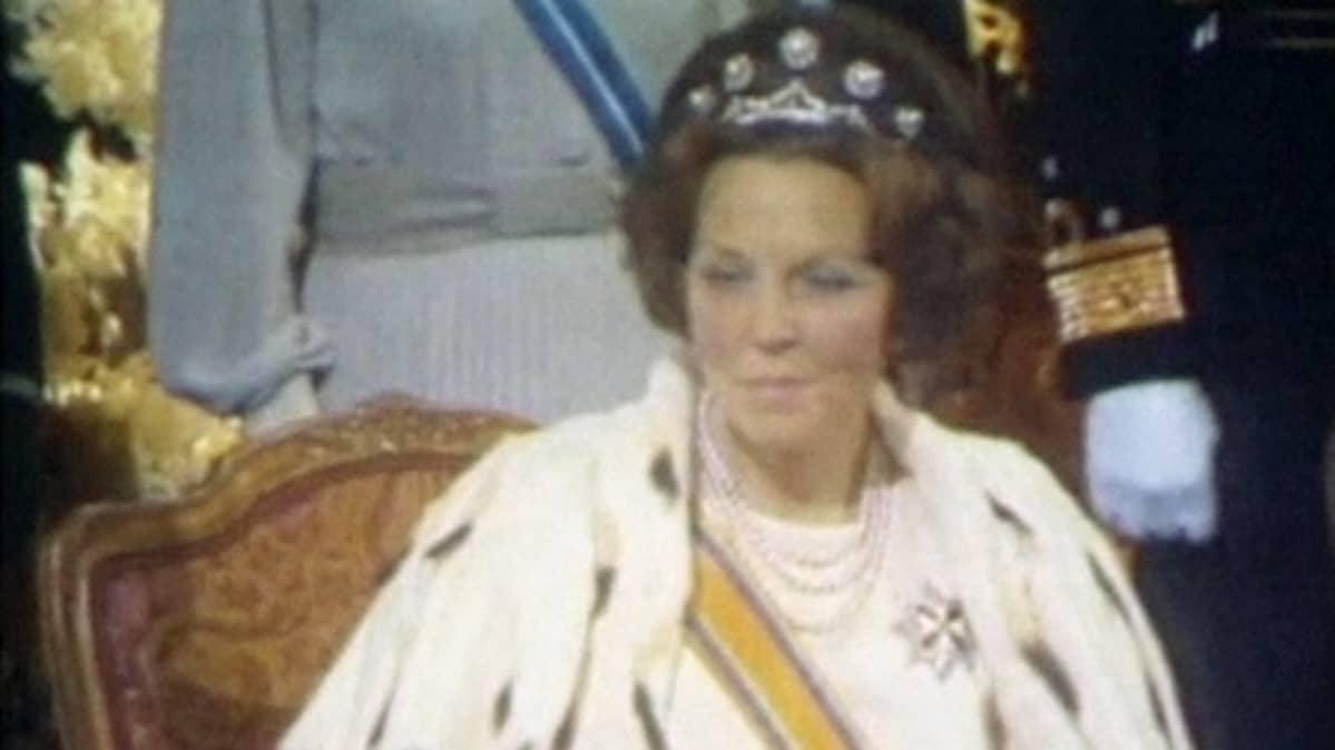 Kuningatar Beatrix kruunajaisissaan Amsterdamissa huhtikuussa 1980.