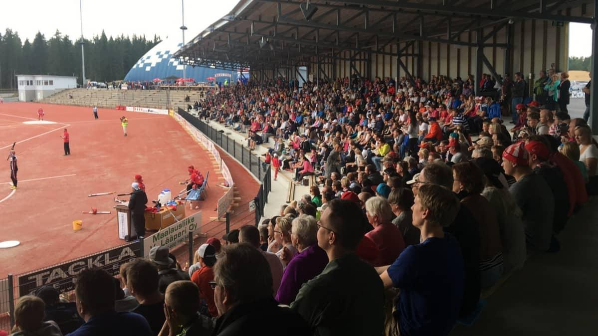 Imatran Ukonniemen uusi stadion on vetänyt väkeä hyvin tänä kesänä
