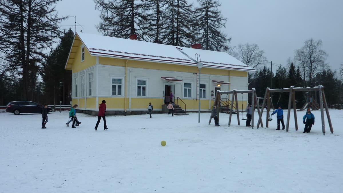 Sotkamon Pohjavaaran kyläkoulu