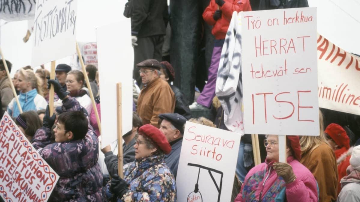 Työttömien mielenosoitus 1993.