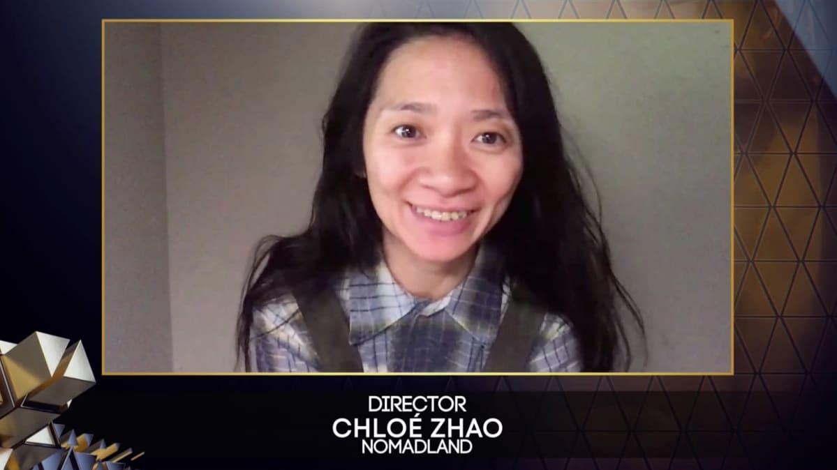 Nomadland-elokuvan ohjaaja Chloe Zhao valittiin parhaaksi ohjaajaksi Britannian Bafta-gaalassa.