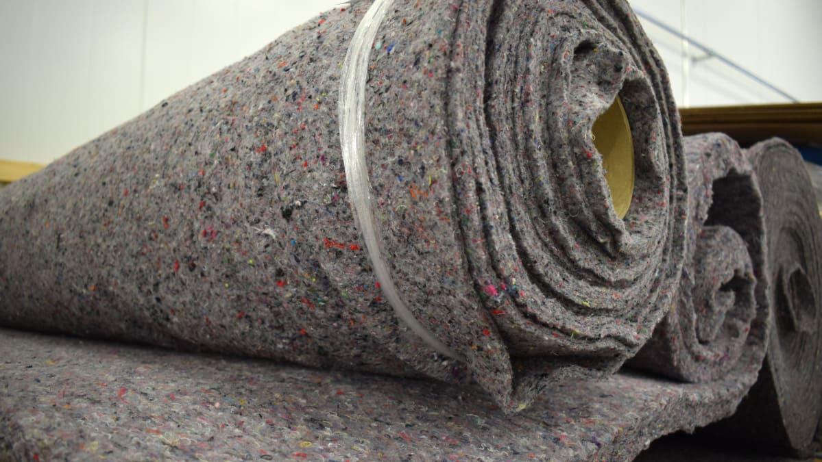 Poistotekstiilistä jalostettua materiaalia.