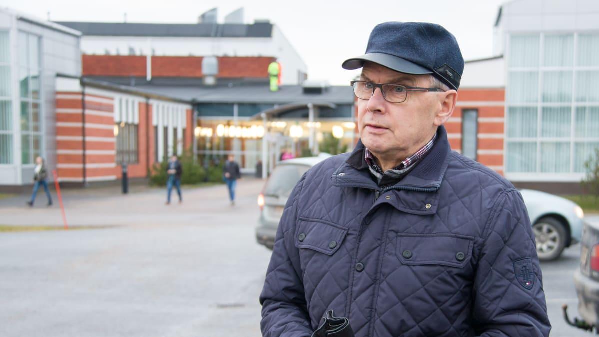 Ylivieskalainen Pauli Korpi-Tassi on Jokilaaksojen koulutuskuntayhtymän valtuuston puheenjohtaja.