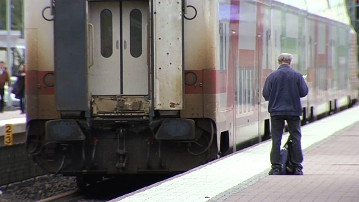 kirkkonummi helsinki juna espoo