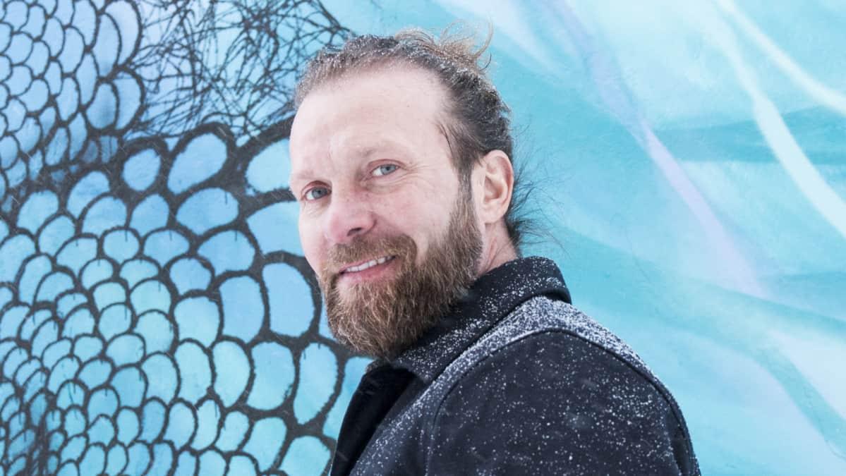 Näyttelijä Pasi Remsu Rovaniemellä.