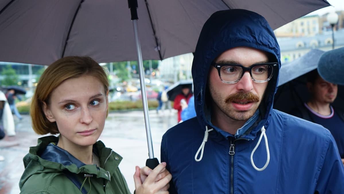 Moskovalaiset mielenosoittajat Katja Bytškova ja Andrei Polek.