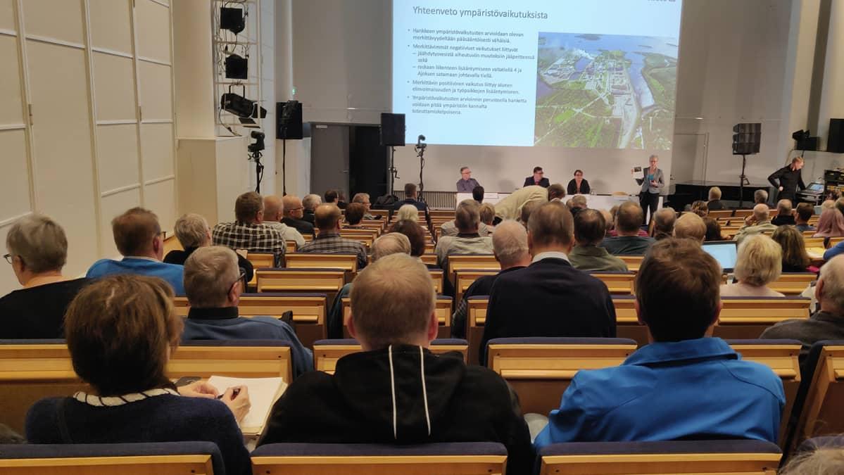 Metsä Groupin tiedotustilaisuus Kemissä, kulttuurikeskuksessa auditoriossa.