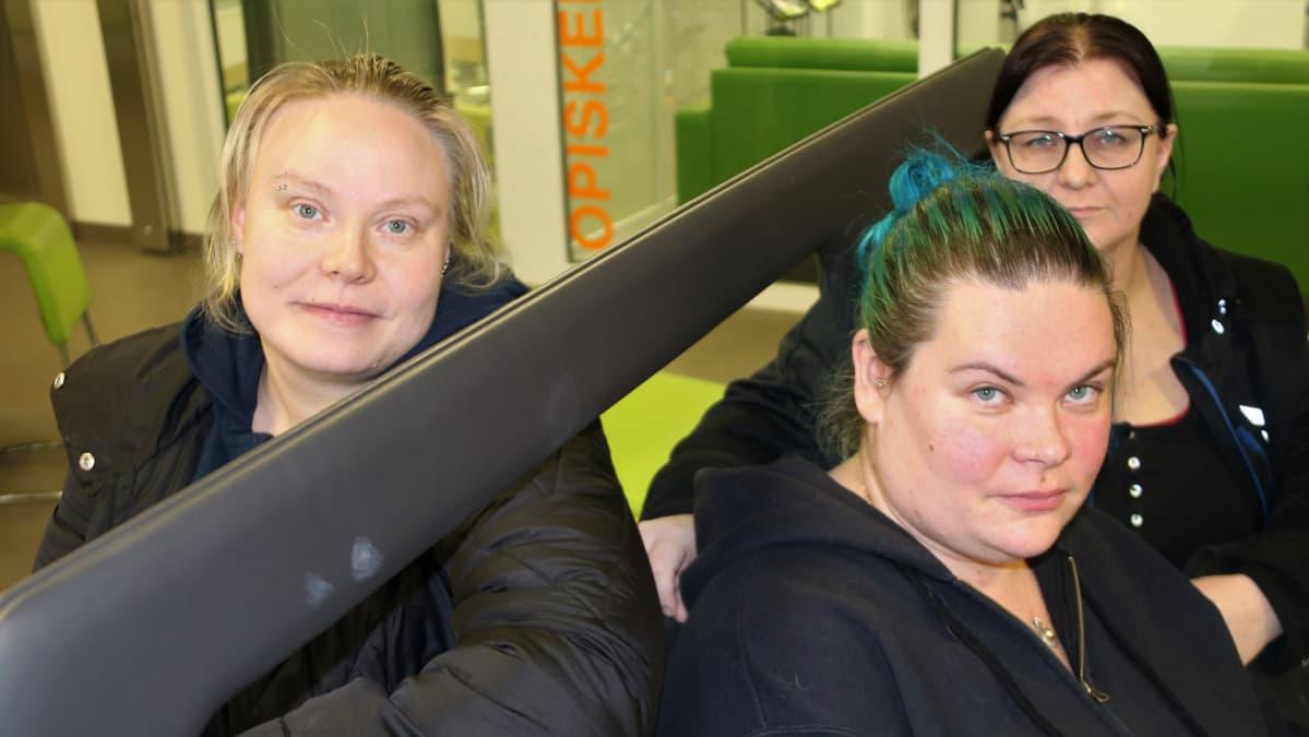 Hannele Kiiskinen, Katriina Sudenlinna ja Jenni Hyttinen-Leskinen