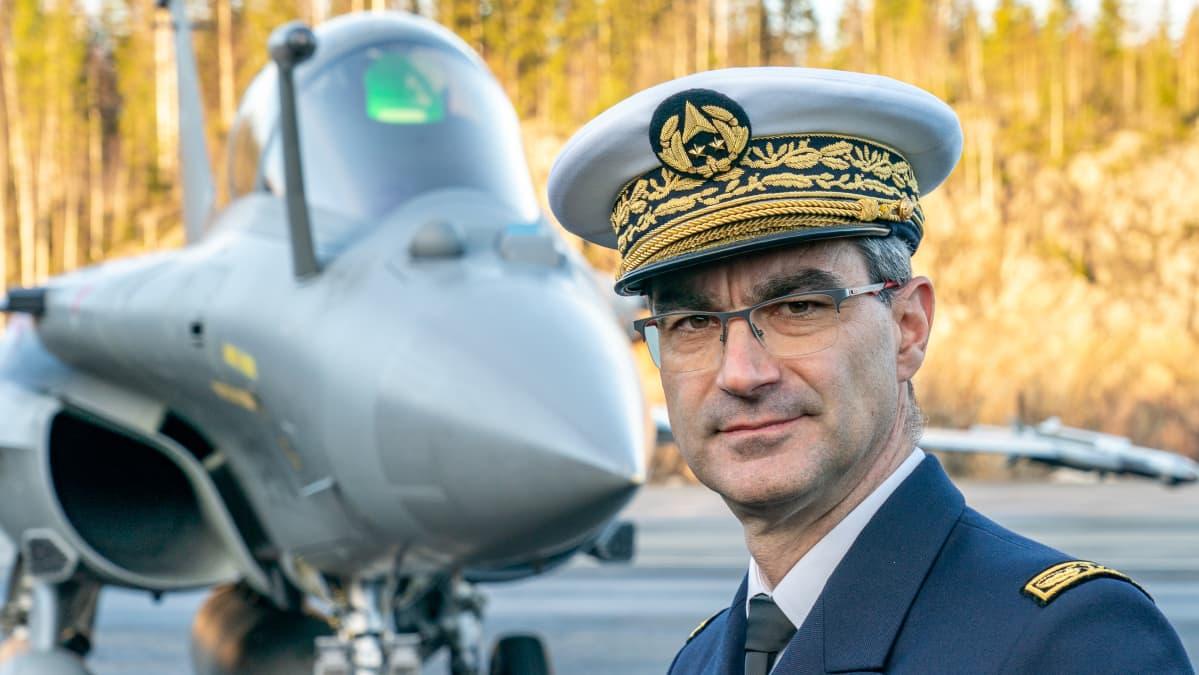 Prikaatikenraali Gaël Diaz de Tuesta.