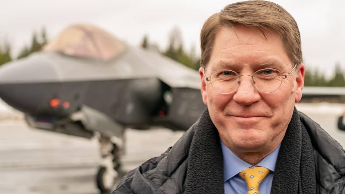 Stephen Sheehy, Lockheed Martin Aeronautics, liiketoimintayksikön ylläpitostrategian kehittämisestä vastaava johtaja.