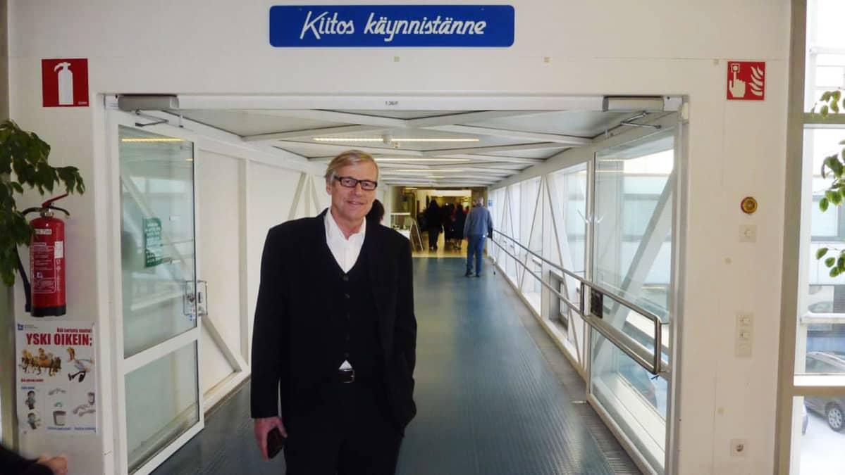 Kuvassa on Jukka Lumio.