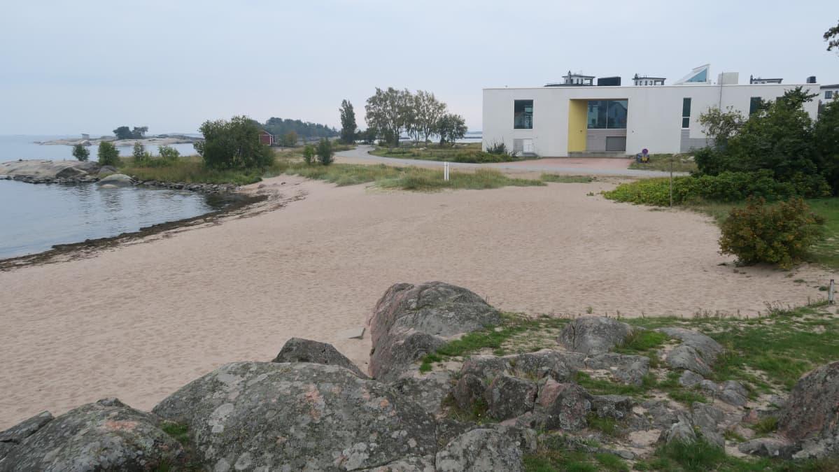 Hotellin laajennusosa on tulossa nykyisen kylpylärakennuksen jatkeeksi Tehtaanniemelle.