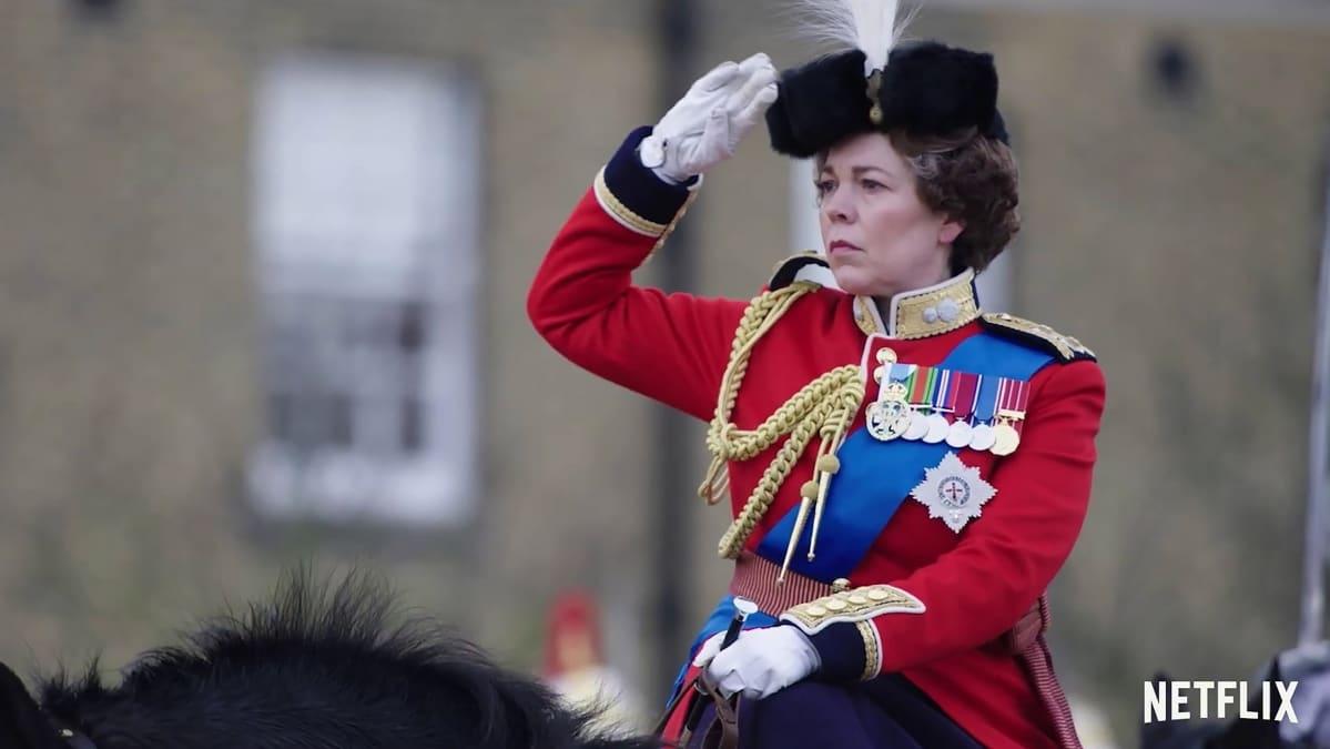 Olivia Colman kuningatar Elisabetin roolissa.