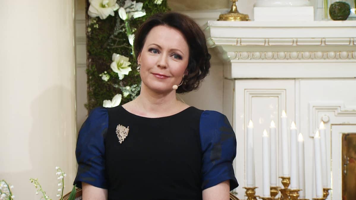 Rouva Jenni Haukio Ylen haastattelussa itsenäisyyspäivänä.