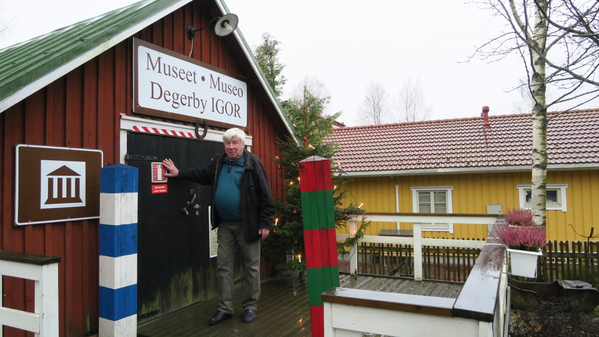 Museorakennus on ollut aikanaan Degerbyn kylän paloasema. Opas Berndt Gottbergin suvulla on maatila entisellä Porkkalan vuokra-alueella.