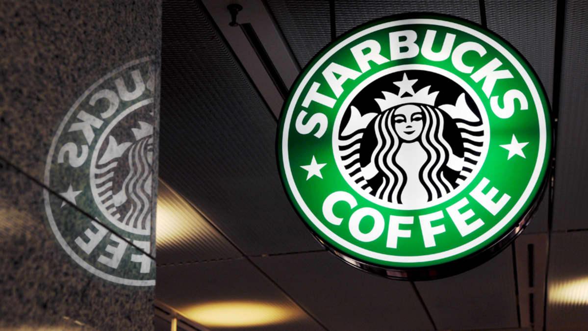 Starbucks -kahvilan kyltti.