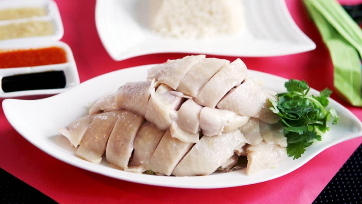 Kanan lihaa lautasella.