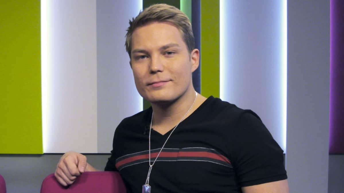 Cheek (Jare Henrik Tiihonen)