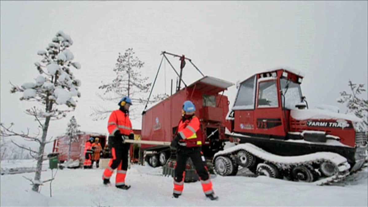 Kaivosyhtiö Anglo-Americanin väki tutki Sodankylän Viiankiaavan maaperää tammikuussa 2011