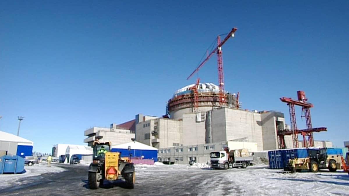 Olkiluodon rakennustyömaa maaliskuussa 2011.