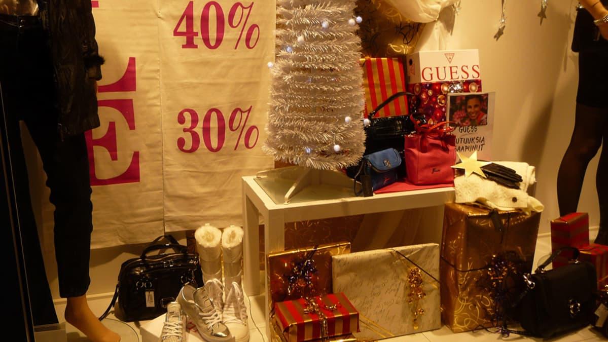 Kaupan liiton mukaan lähes neljännes kaupoista laski hintojaan jo ennen joulunpyhiä.