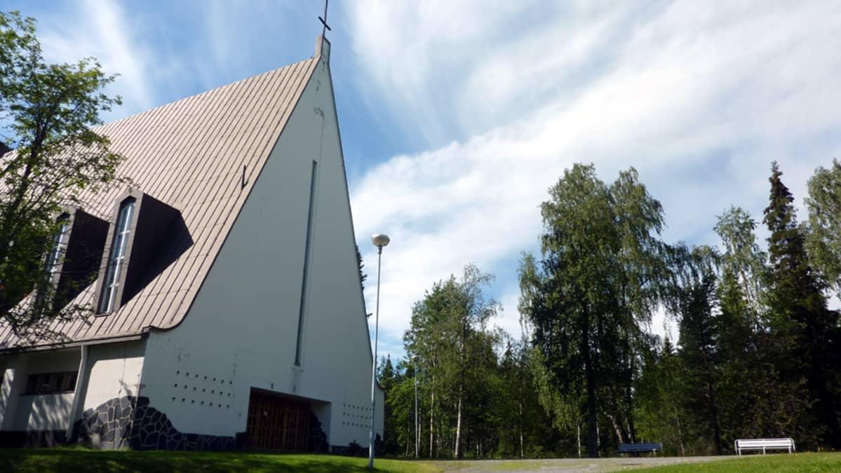 Veitsiluodon kirkko.