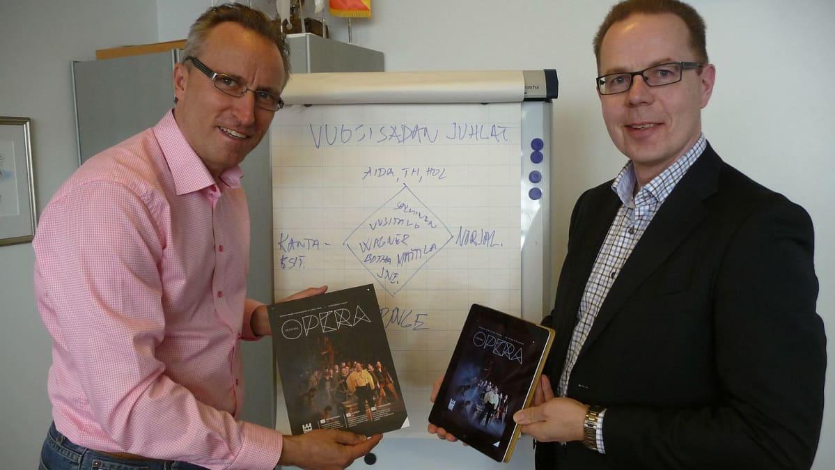 Oopperanjohtaja Jan Hultin ja myyntipäälikkö Janne Rönnbäck