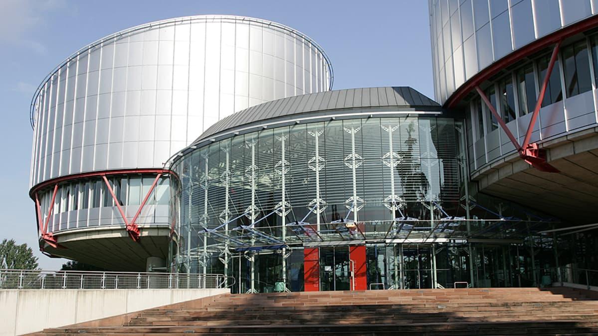 Euroopan ihmisoikeustuomioistuimen rakennukset Strasbourgissa.