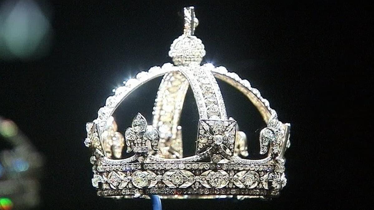 Kuningatar Viktorian pieni timanttikruunu.