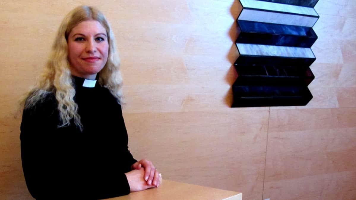 Haminan seurakunnan pastori Jaana Kivekäs