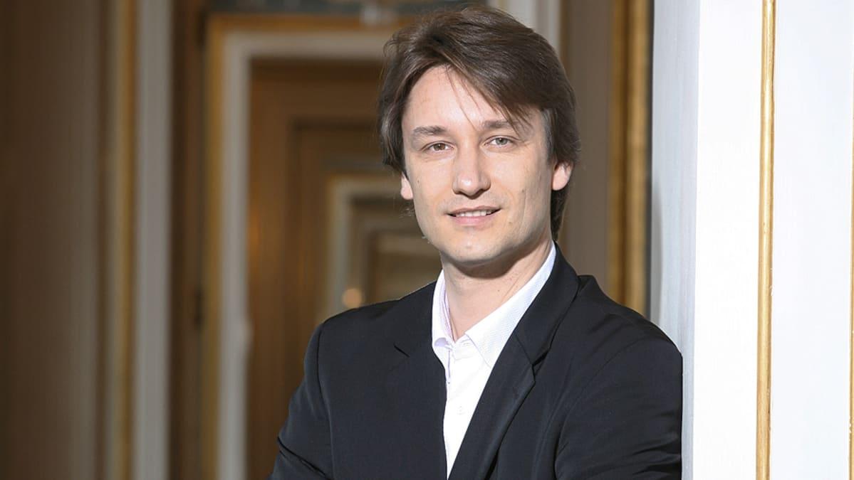 Suomen Kansallisoopperan ylikapellimestari Michael Güttler.