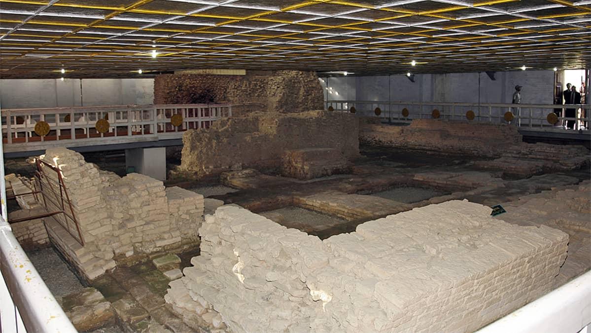 MayaDevi-temppelin arkeologiset kaivaukset Lumbinissa.