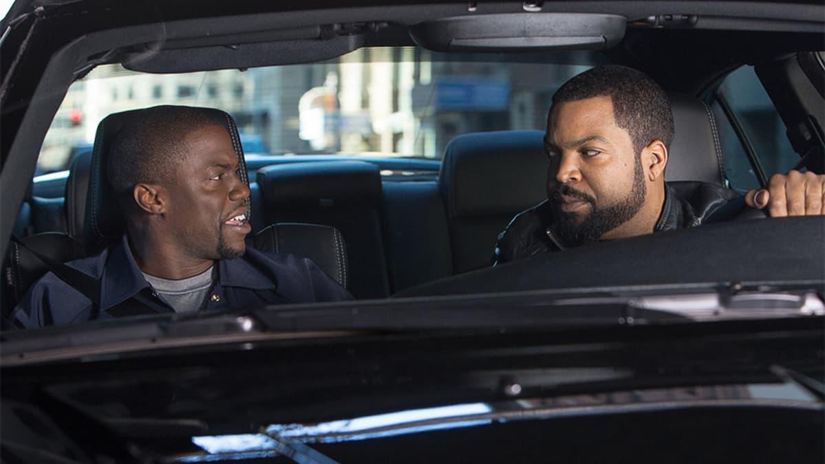Ice Cube and Kevin Hart Ride Along -elokuvassa.