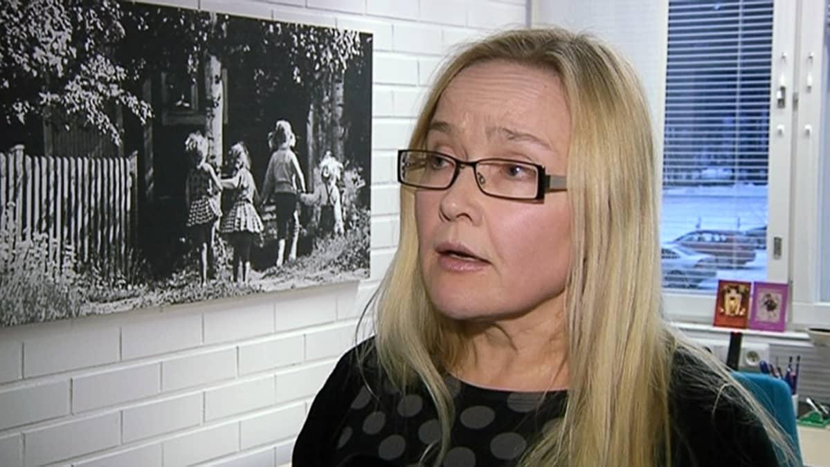 Lastenpsykiatri Anne Kauppi.