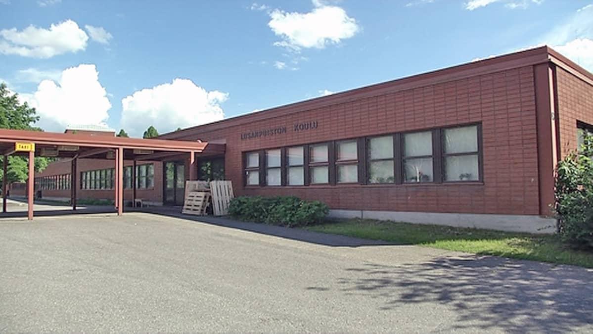 Liisanpuiston koulu