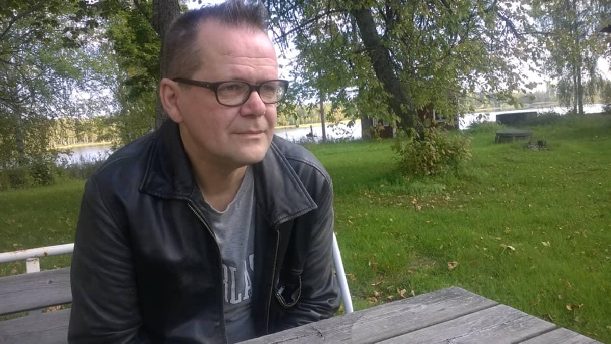 Kirjalija Kari Hotakainen
