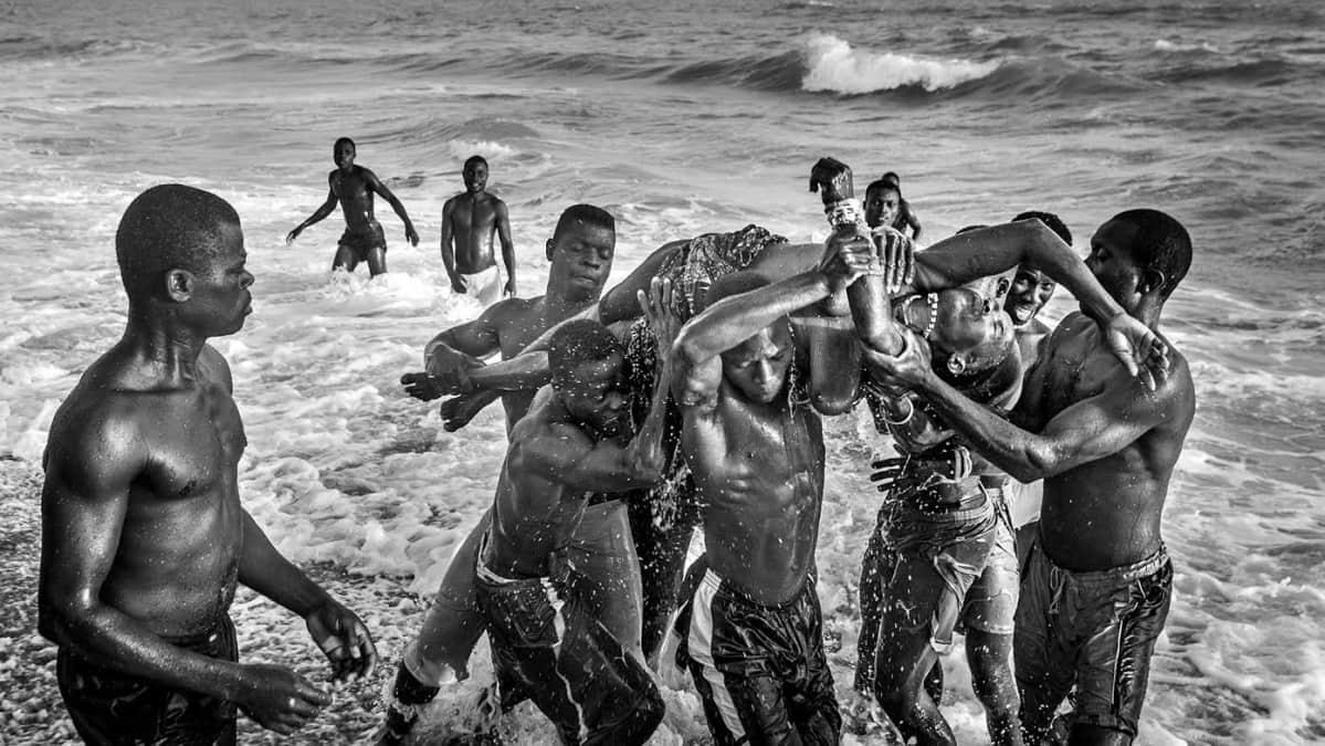 Kuvaaja Juha Metso vietti pari kuukautta Beninissä kuvaten paikallisia ihmisiä