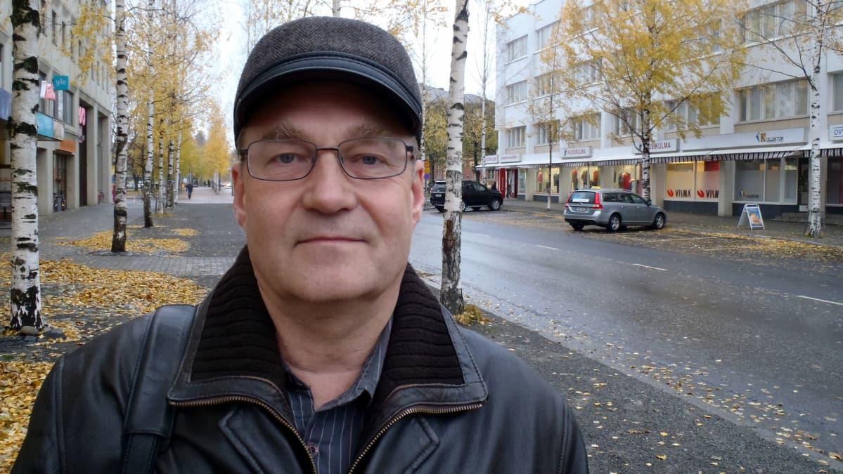 Vastaanottokeskuksen johtaja Ari Kuronen.