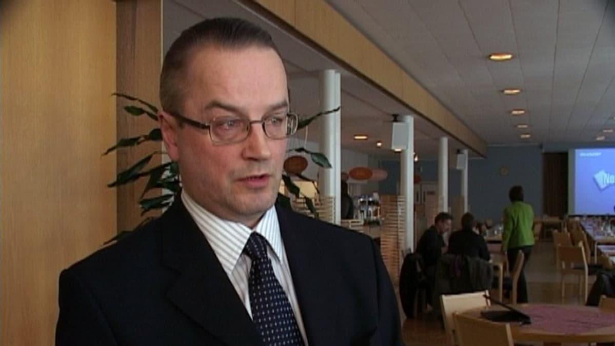 UPM Voikkaan tehtaanjohtaja Raimo Särkelä vuonna 2006