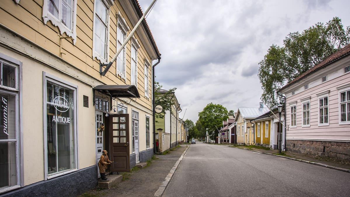 Katunäkymää Kokkolasta vanhastakaupungista eli Neristanista.