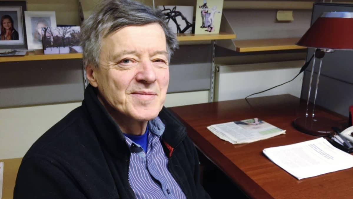 Professori JP Roos.