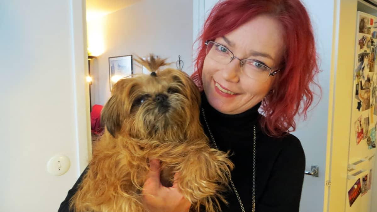 Eeva-Liisa Peltonen ja Iki-koira