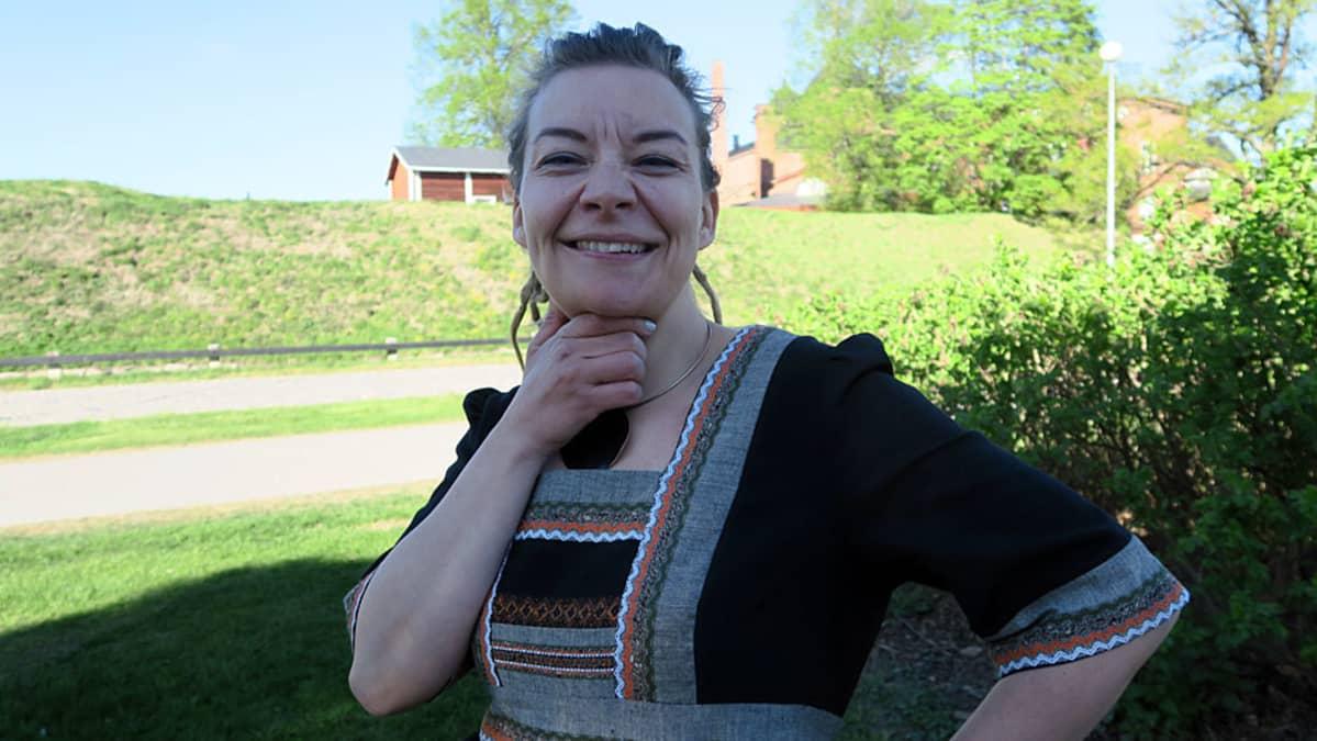 Viestintäkouluttaja, tietokirjailija Katleena Kortesuo.