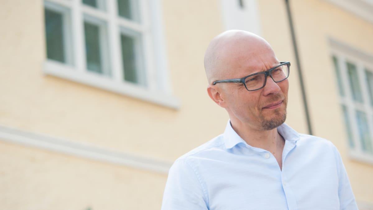 Mustin ja Mirrin toimitusjohtaja Mika Sutinen.