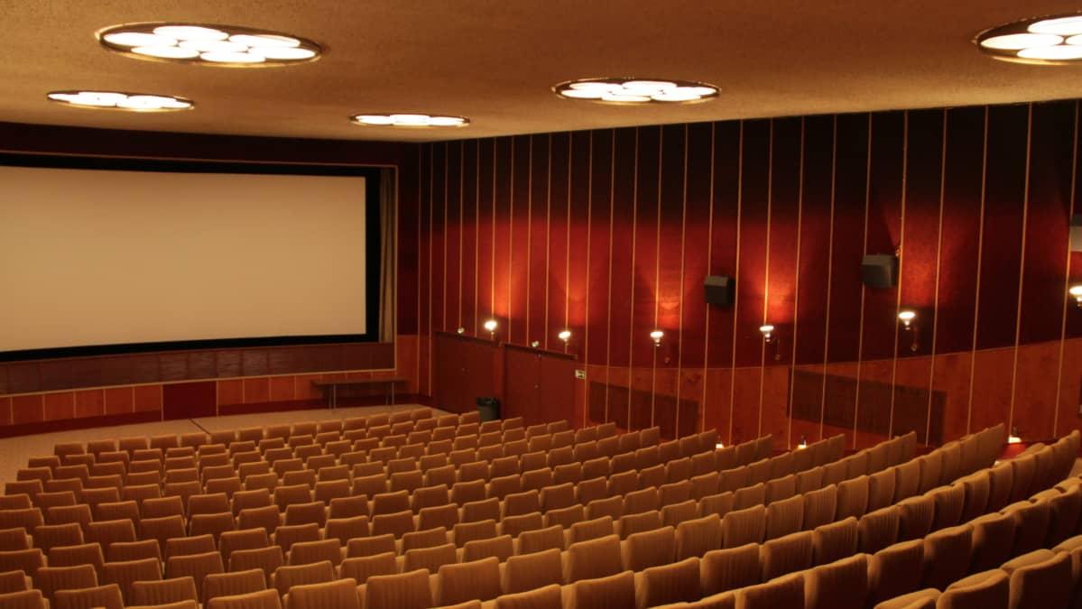 Elokuvateatteri Nuijamiehen teatterisali.