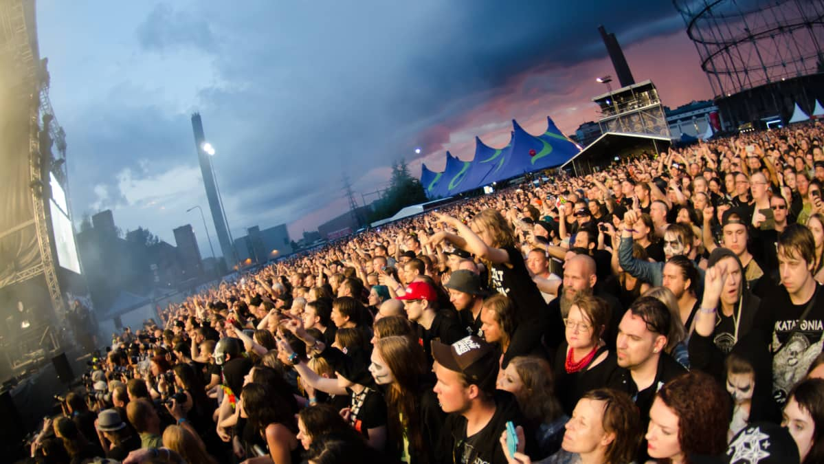 Yleisöä Tuska-festivaalilla.