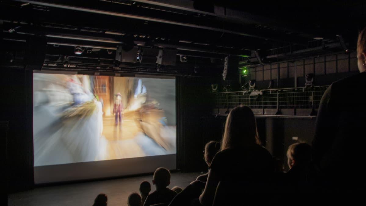 Oulun lasten ja nuorten kansainvälisen elokuvafestivaalin näytös kulttuuritalo Valveen salissa 2019.
